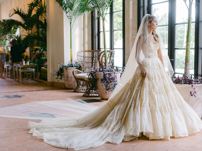 Еще одна из клана Кеннеди: Внучатая племянница экс-президента США вышла замуж в винтажном платье-Фото 1
