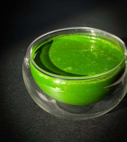 Матча — чудо-напиток: все о самом популярном зеленом чае на сегодня.-430x480