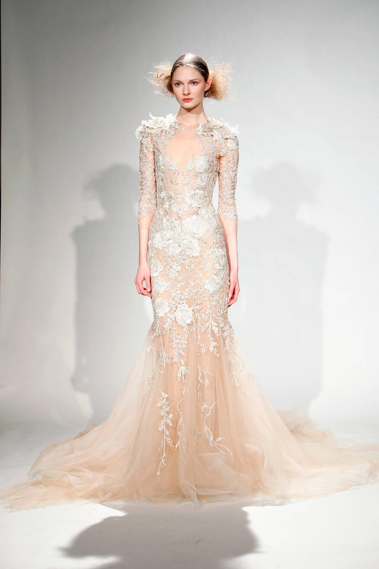 Модель и супруга солистаMaroon5 впервые демонстрирует свое свадебное платье-Фото 2