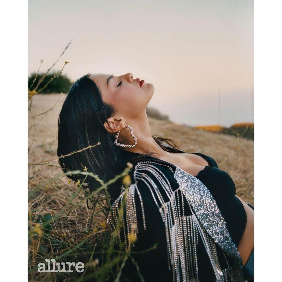 Селена Гомес рассказала о том, каксамоизучениевдохновило ее на новый альбом-Фото 3