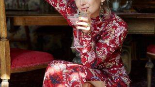 Праздник все ближе: Дочь Кейт Хадсон позирует в рождественском образе-320x180