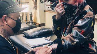 Мадонна сделала первую татуировку в своей жизни-320x180