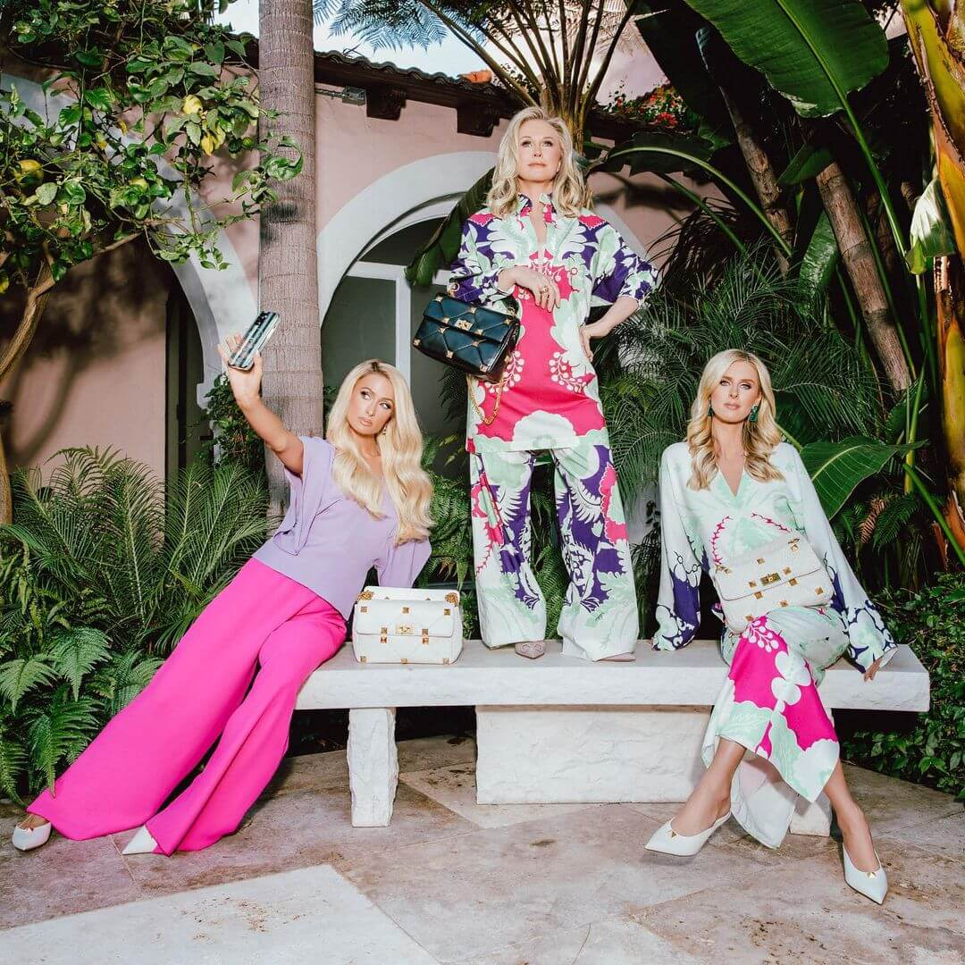 Девушки семейства Хилтон позируют в рекламной кампании Valentino-Фото 2