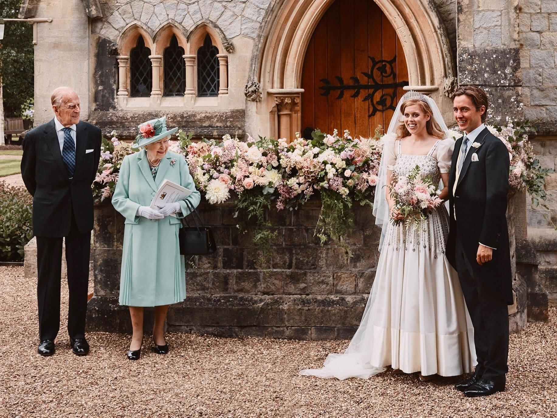 Итоги года: Звездные пары, которые решили пожениться в 2020-Фото 7