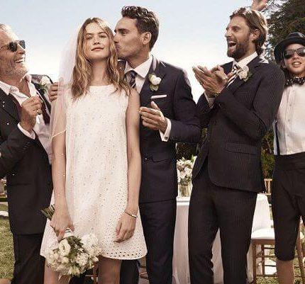 Модель и супруга солистаMaroon5 впервые демонстрирует свое свадебное платье-430x480