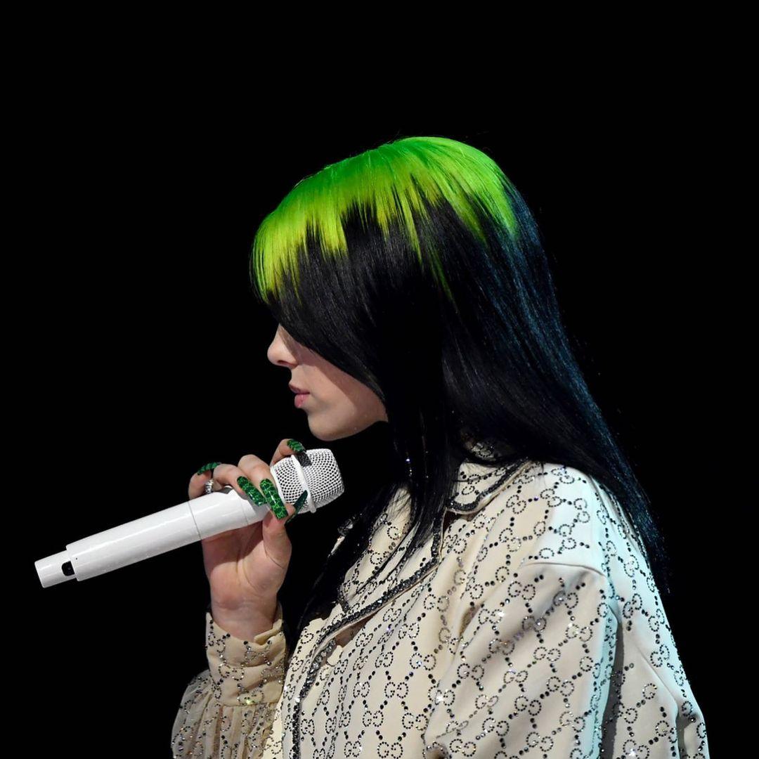 Билли Айлиш рассказала, почему на протяжении долгого времени красит волосы в зеленый