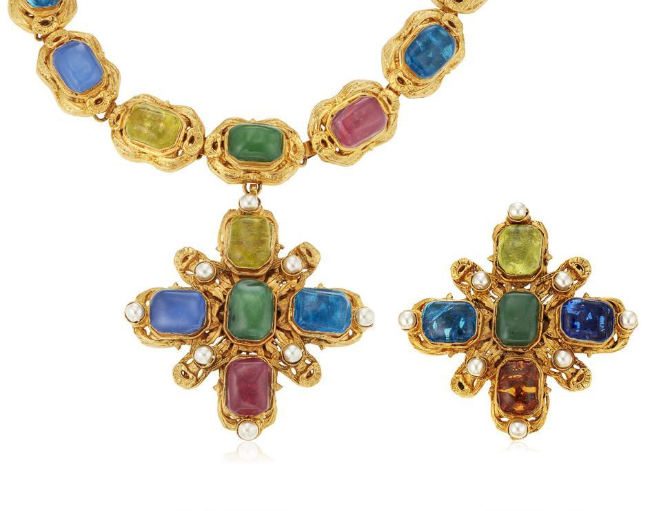Аукцион Christie's выставил винтажные украшения Карла Лагерфельда для Chanel-Фото 6