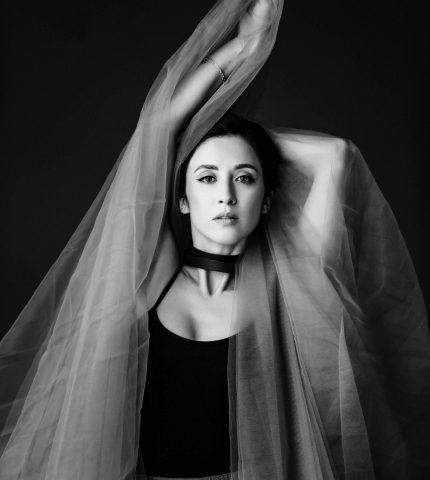 Ведьма или Великомученица: Рецензия Анны Завальской на фильм «Вечный свет»-430x480
