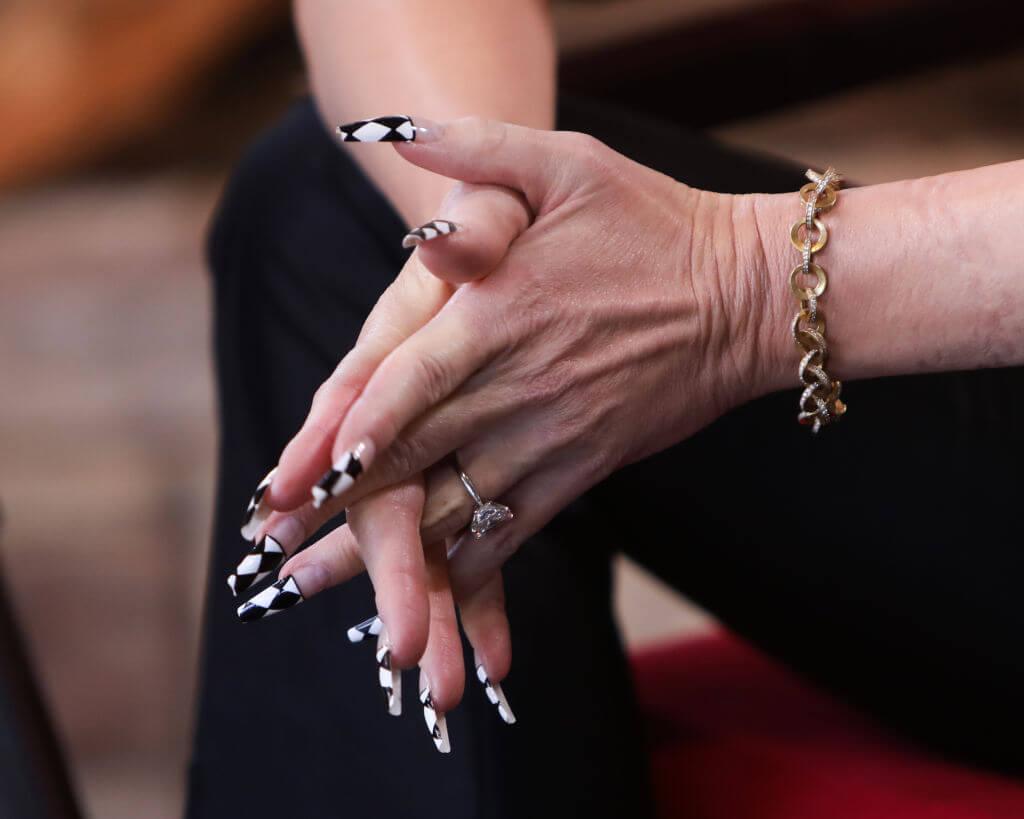 Гвен Стефани показала в деталях обручальное кольцо-Фото 3