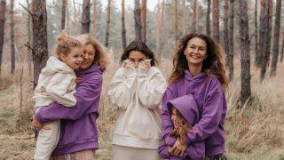Спражні цінності: Бренд Poustovit випустив дроп про родинний затишок та материнство-320x180