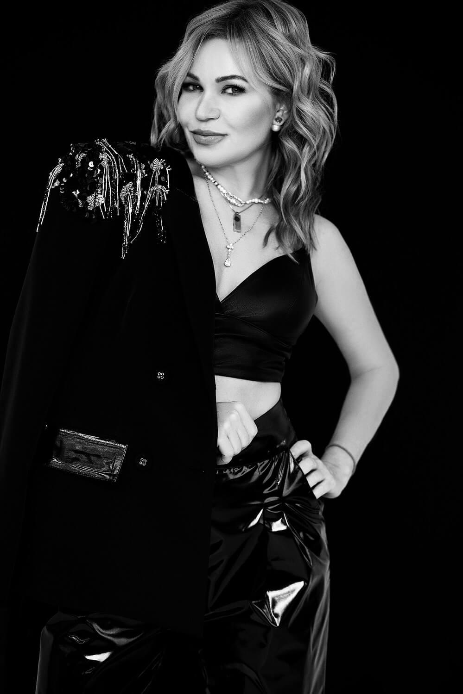 Певица LILU про новый альбом, собственный бренд одежды и про успехи, которыми она гордится-Фото 3