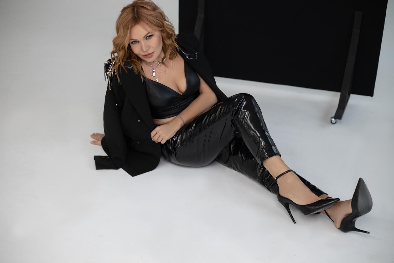 Певица LILU про новый альбом, собственный бренд одежды и про успехи, которыми она гордится-Фото 6
