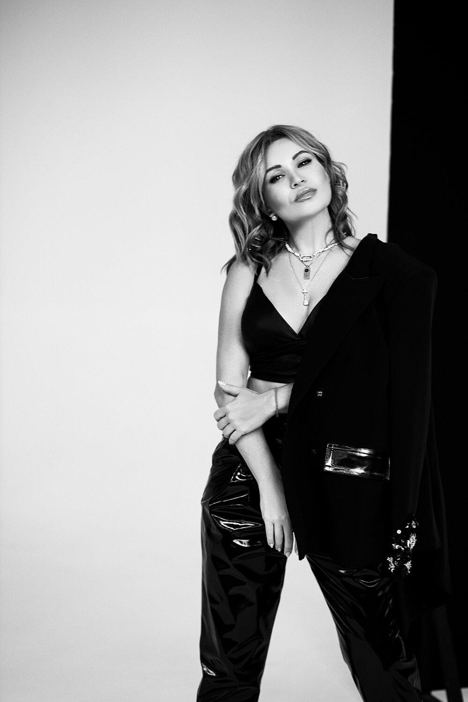 Певица LILU про новый альбом, собственный бренд одежды и про успехи, которыми она гордится-Фото 5