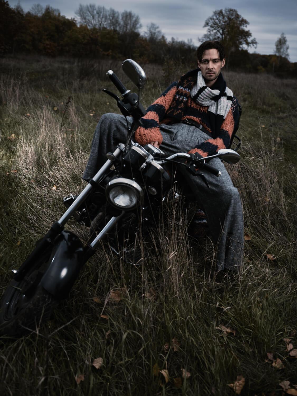 Макс Барских — главный герой зимнего номера Playboy Russia-Фото 4