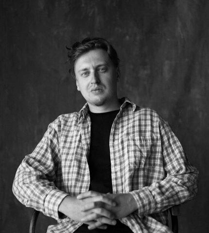Аргумент: Роман Перфільєв, режисер-430x480