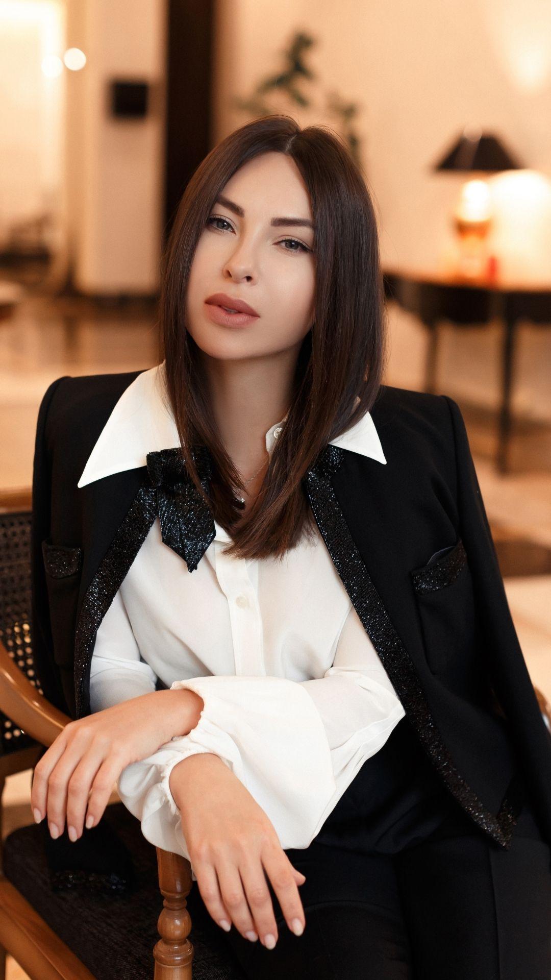 Юлия Тихонова