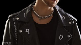 Мужчина говорит: Денис Реконвальд, певец и актер-320x180
