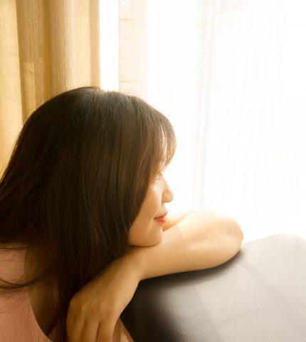 Гормональное выпадение волос у женщин: как это предотвратить-430x480
