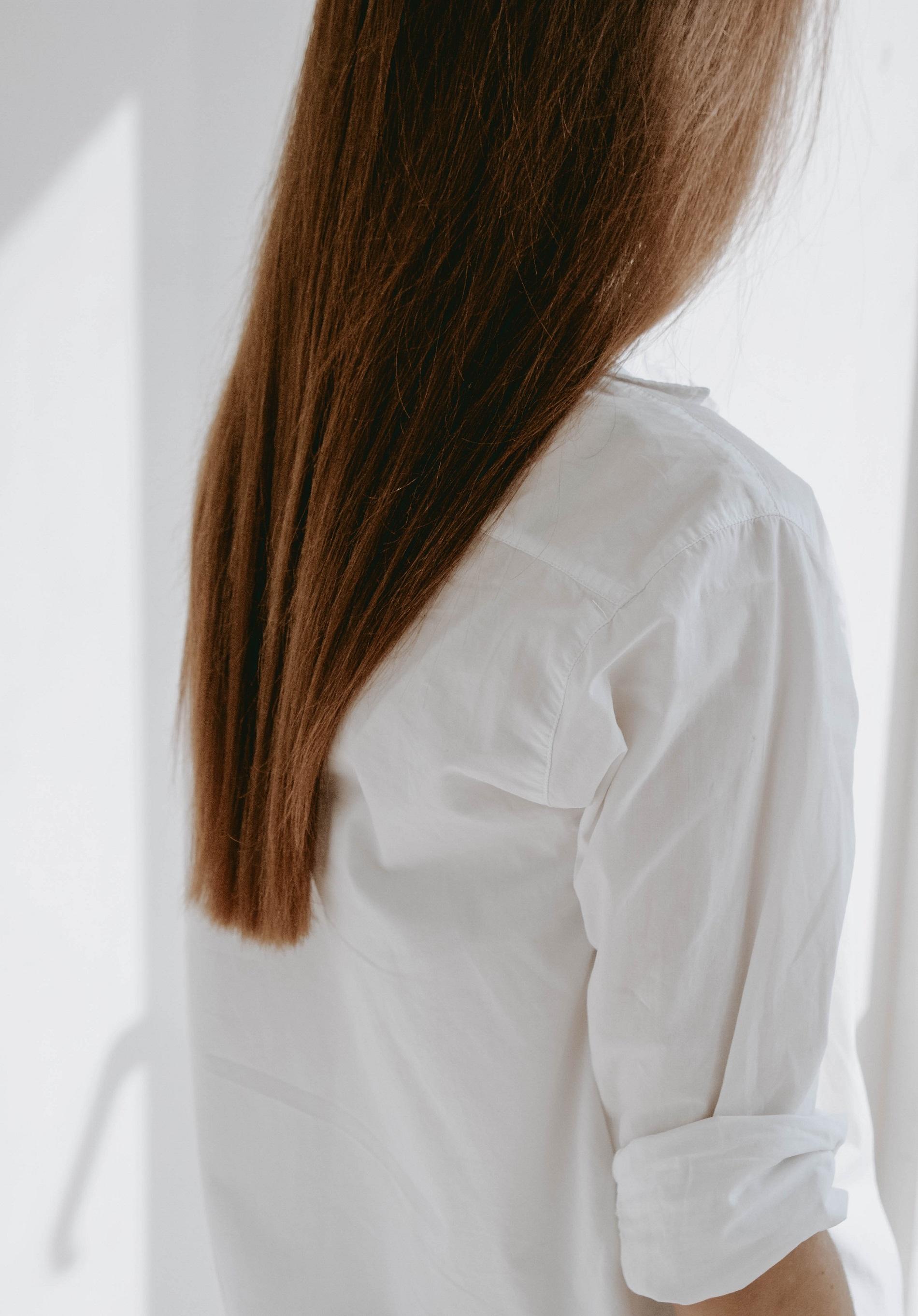 Что точно не стоит наносить на волосы-Фото 2
