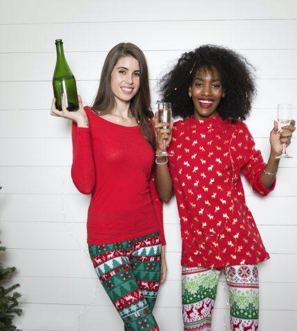 Как ее удивить: лучшие идеи новогодних подарков для девушки-430x480