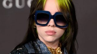 Билли Айлиш рассказала, почему на протяжении долгого времени красит волосы в зеленый-320x180