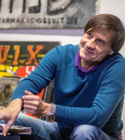 Воювати за Донбас мистецтвом. Ukraїner розповів історію художника, який пройшов полон та катування-430x480