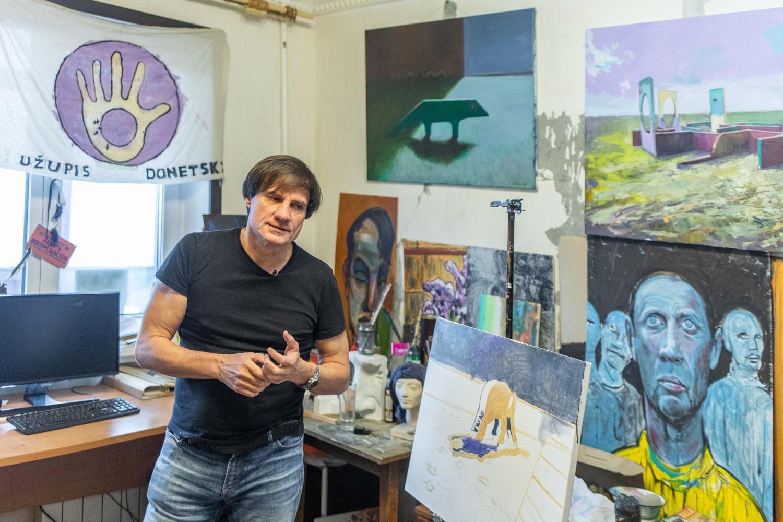 Воювати за Донбас мистецтвом. Ukraїner розповів історію художника, який пройшов полон та катування-Фото 2