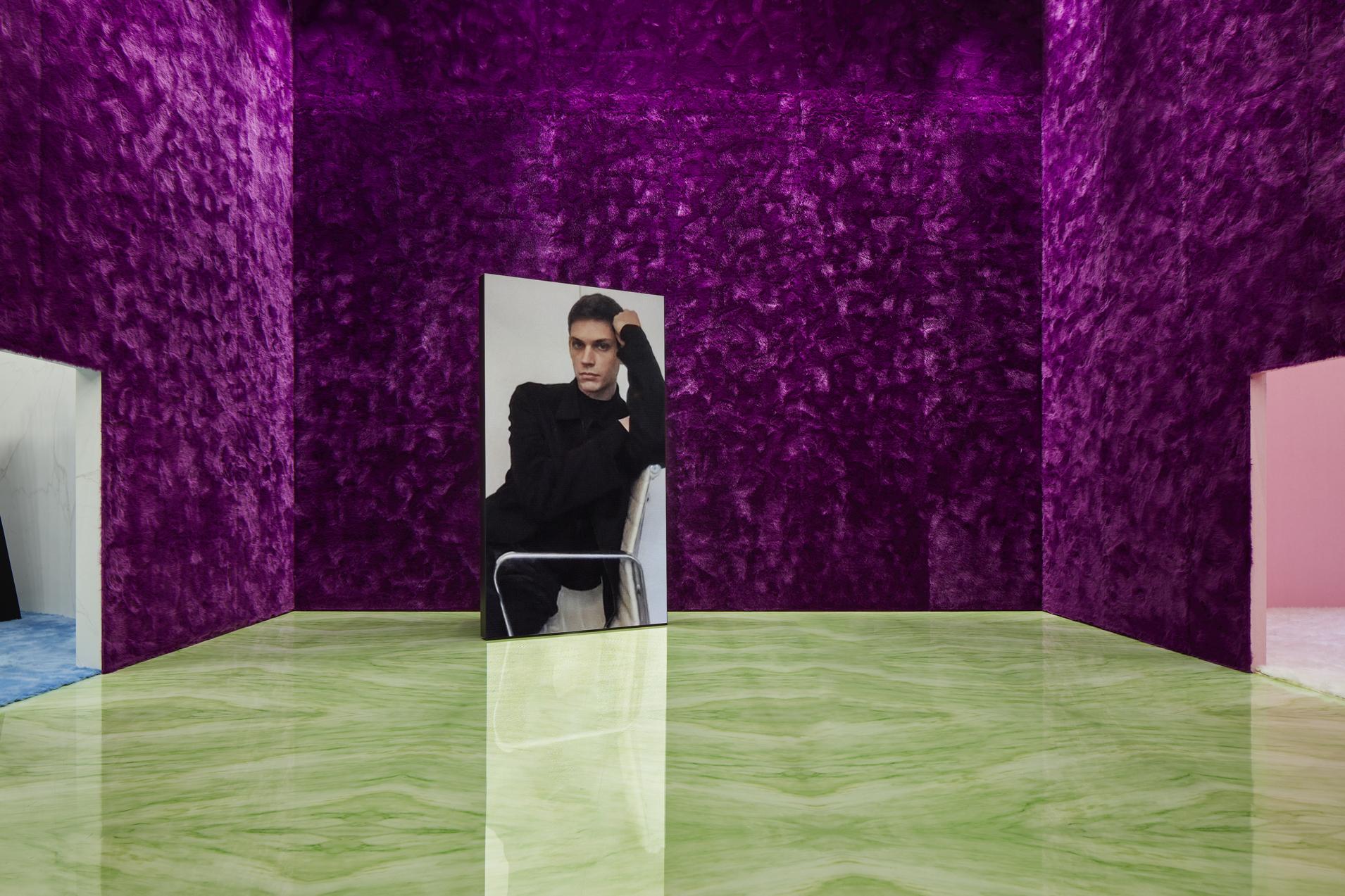 Итан Джеймс Грин на показе Prada
