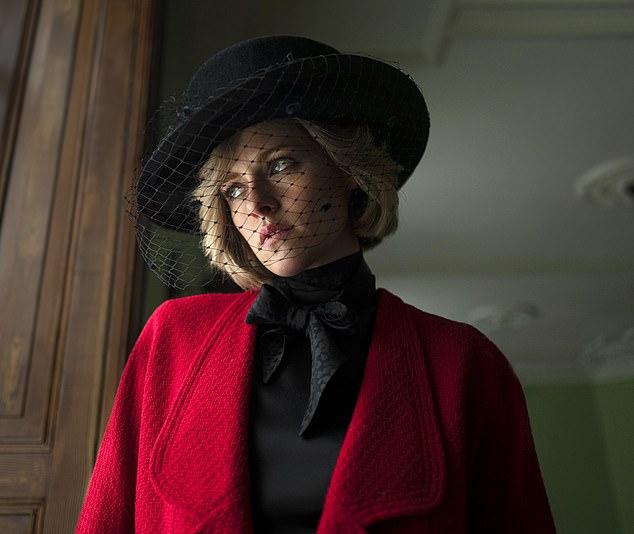 """Первый взгляд на Кристен Стюарт в образе принцессы Дианы для предстоящего фильма """"Спенсер""""-Фото 2"""