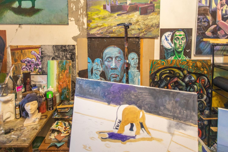 Воювати за Донбас мистецтвом. Ukraїner розповів історію художника, який пройшов полон та катування-Фото 5