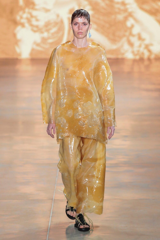 Гордость и предубеждение: Какие оттенки нужно носить зимой 2021-Фото 11