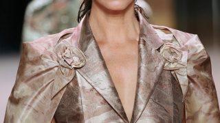 Показ дебютной коллекции Кима Джонса для FENDI Couture — Деми Мур, Белла Хадид, Кристи Тарлингтон на подиуме-320x180