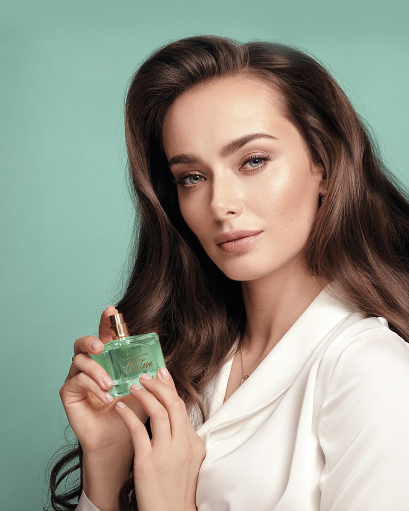 Ксенія Мішина стала обличчям нової лінійки парфумів TTA від Avon-Фото 2