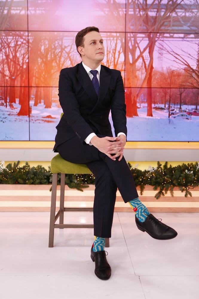 Ведучі Сніданку з 1+1 зробили фото зі шкарпетками, як у Трюдо-Фото 7