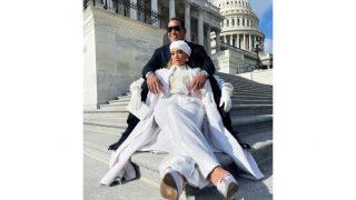 Звездные итоги: Джей Ло на ступенях Капитолия, вечно молодая Сальма Хайек и другие лучшие фото недели-320x180