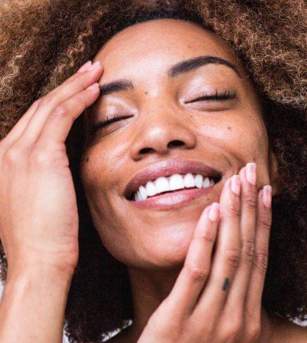Спасаем кожу от мороза: лучшие средства зимы, по мнению бьюти-редактора-430x480