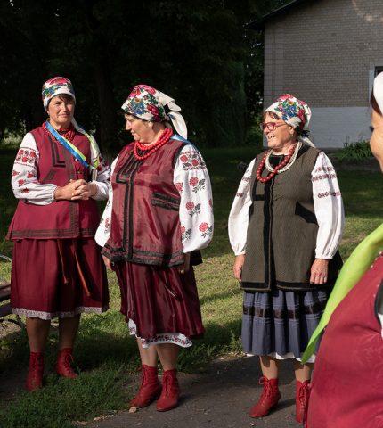 Ансамбль «Древо»: Сучасна легенда української народної пісні-430x480