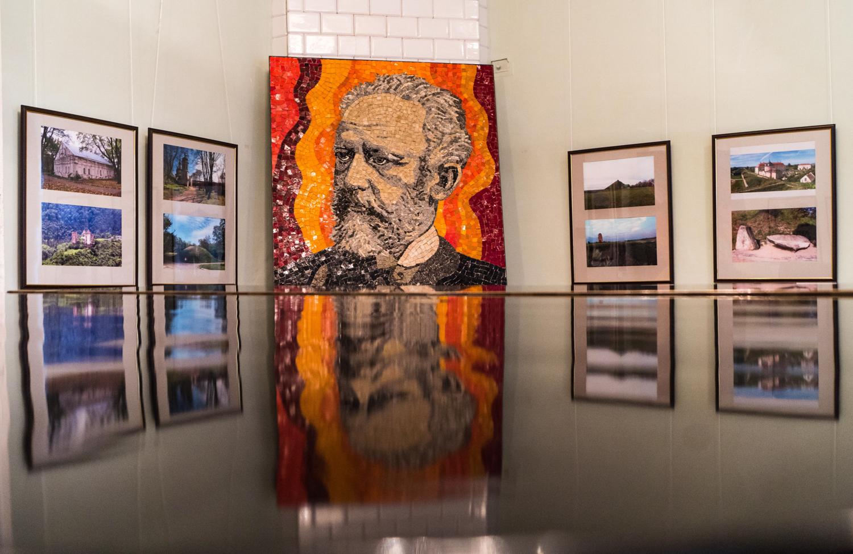 Як роботи Пікассо та Малевича опинились у Пархомівці-Фото 5