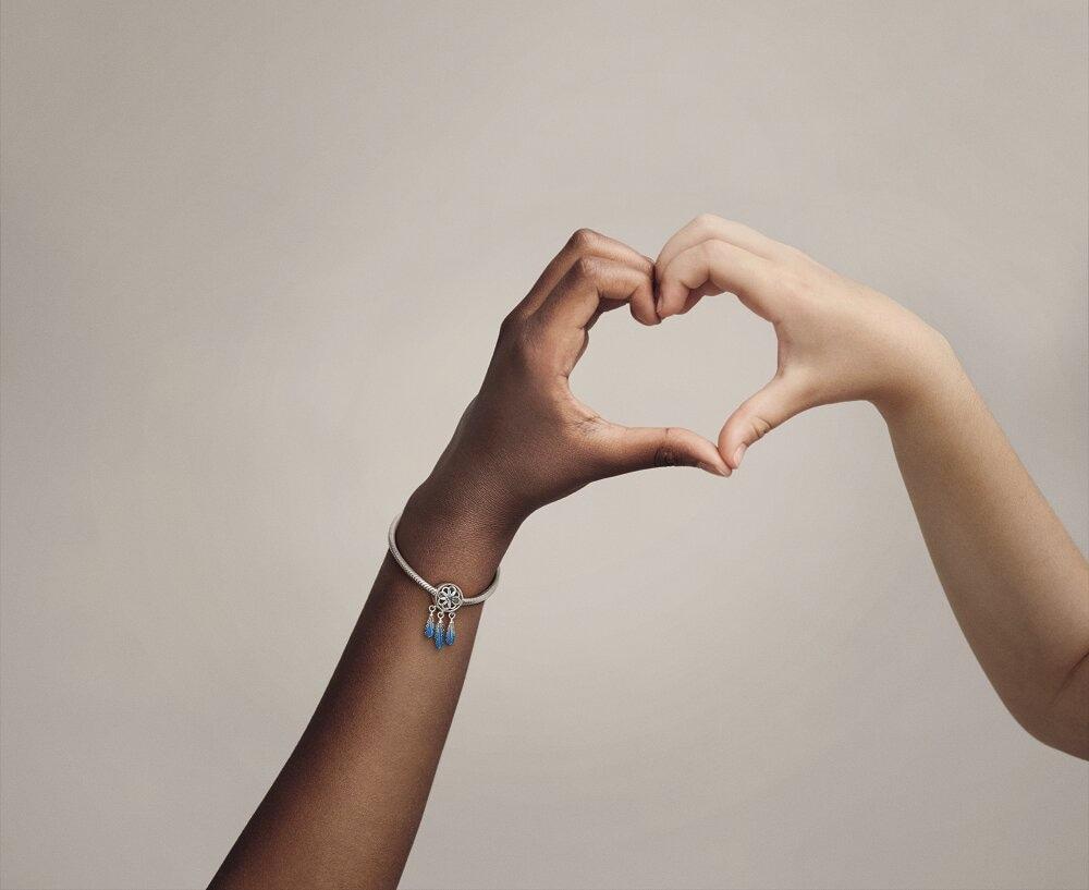 Намистини заради змін: Бренд Pandora презентує лімітовану прикрасу до Міжнародного жіночого дня-Фото 3