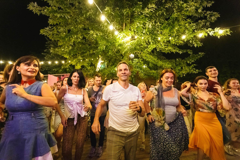Запальні ритми та яскраві кольори. Як живуть кубинці в Україні.-Фото 1