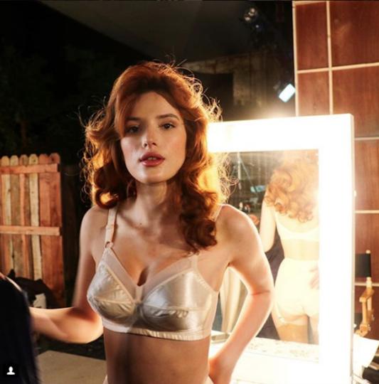 Актриса БеллаТорнрассказала, в чем дискомфорт работы с женщинами-режиссерами-Фото 3