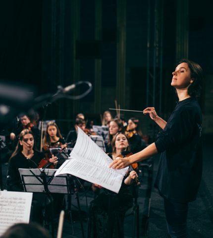 Оксана Линів стане першою жінкою-диригенткою за 145 років історії Вагнерівського фестивалю-430x480