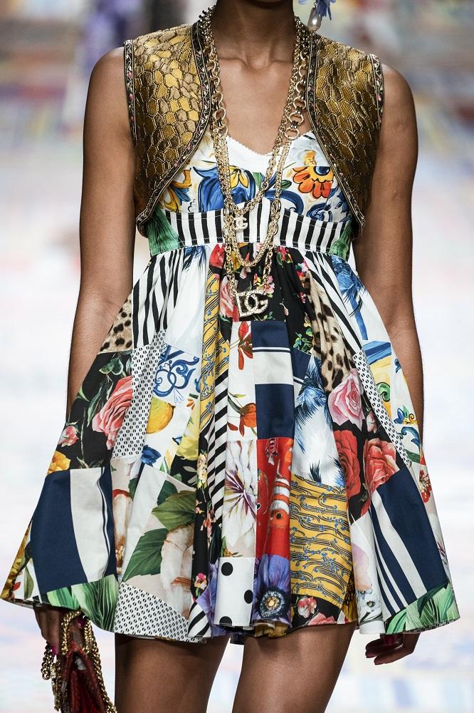 Девушка с фантазией: 8 самых актуальных фасонов платьев сезона весна-лето 2021-Фото 3