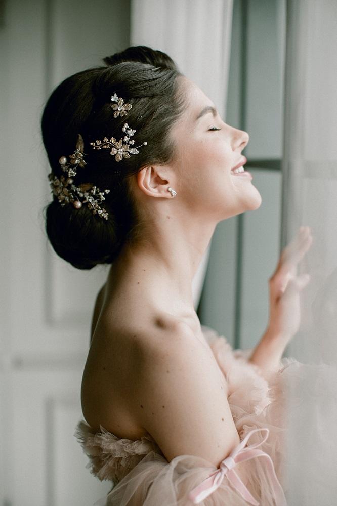 Digital-обложка Marie Claire: Бразильская модель Camila Luz примеряет свадебные платья из новых коллекций-Фото 11