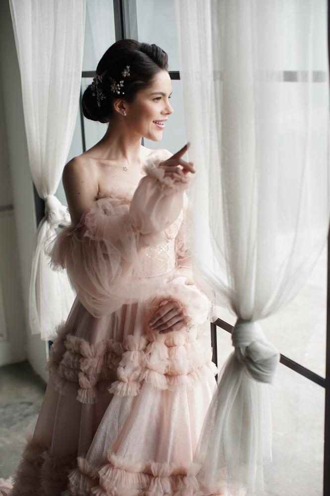 Digital-обложка Marie Claire: Бразильская модель Camila Luz примеряет свадебные платья из новых коллекций-Фото 8