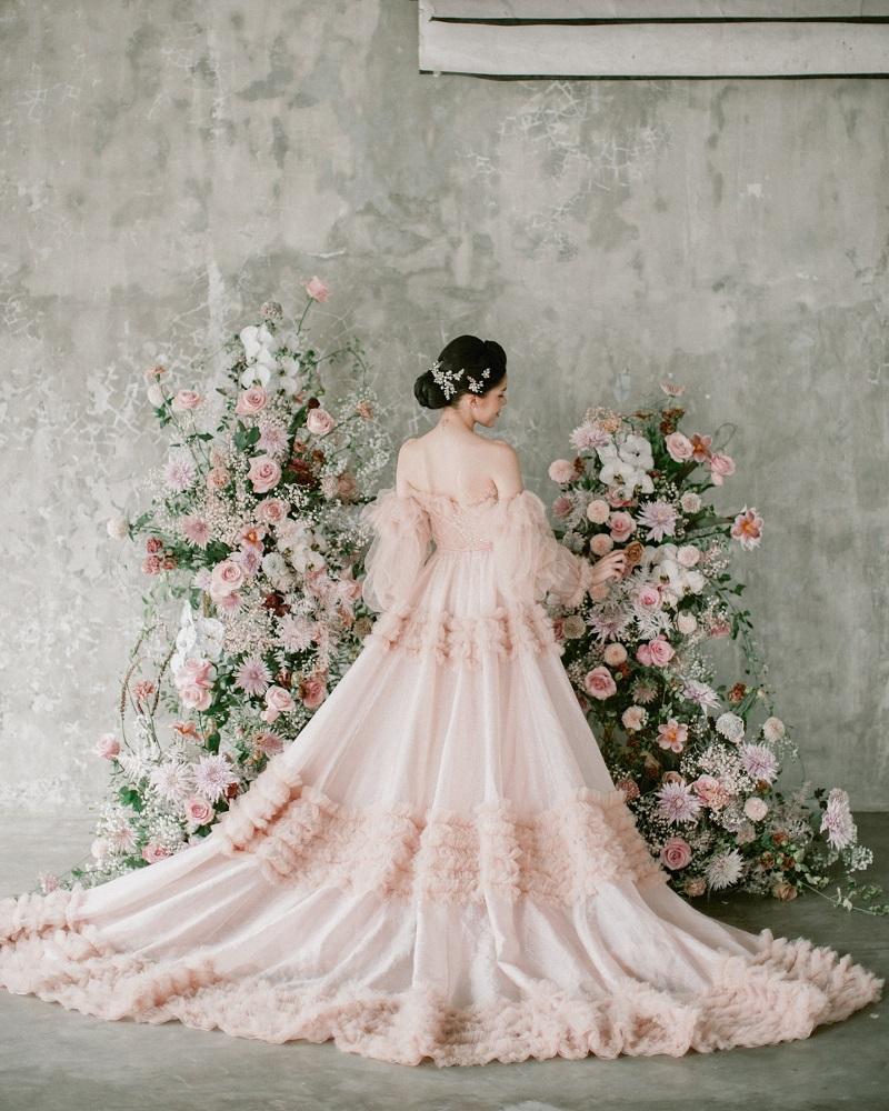 Digital-обложка Marie Claire: Бразильская модель Camila Luz примеряет свадебные платья из новых коллекций-Фото 6