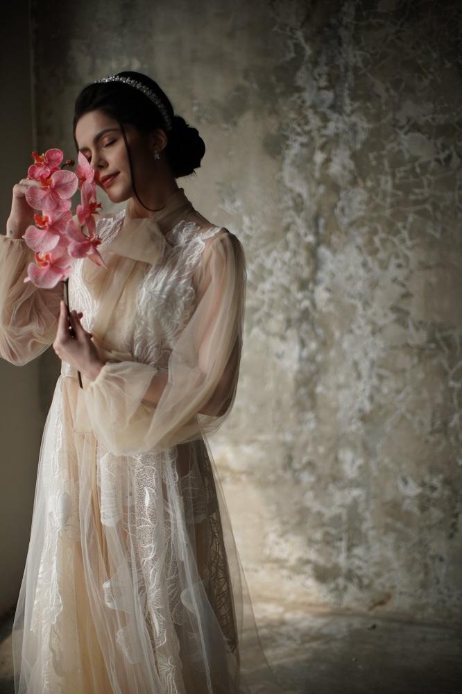 Digital-обложка Marie Claire: Бразильская модель Camila Luz примеряет свадебные платья из новых коллекций-Фото 5