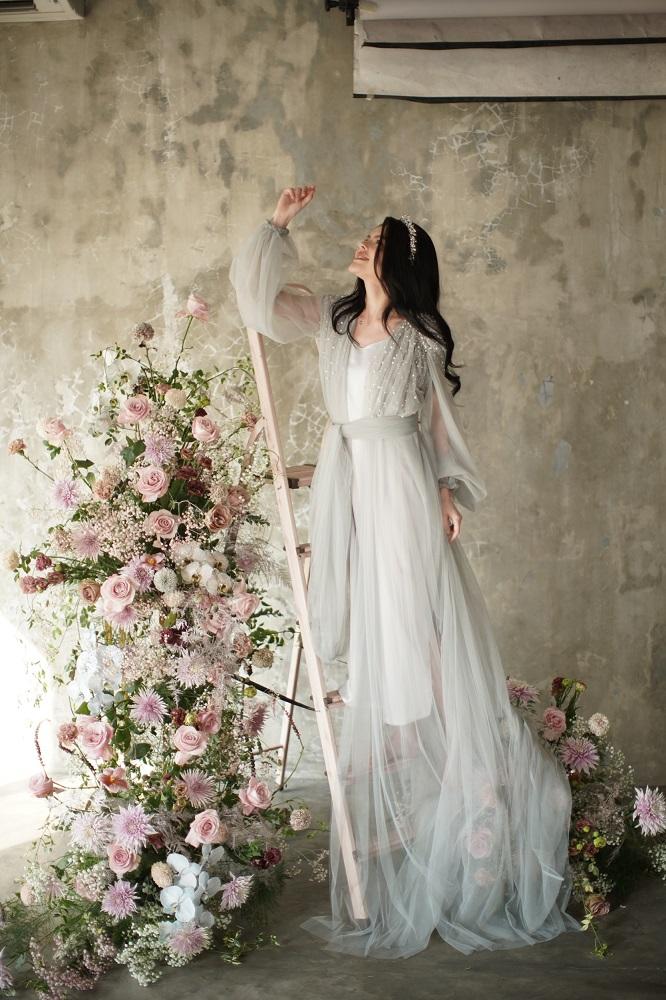 Digital-обложка Marie Claire: Бразильская модель Camila Luz примеряет свадебные платья из новых коллекций-Фото 3