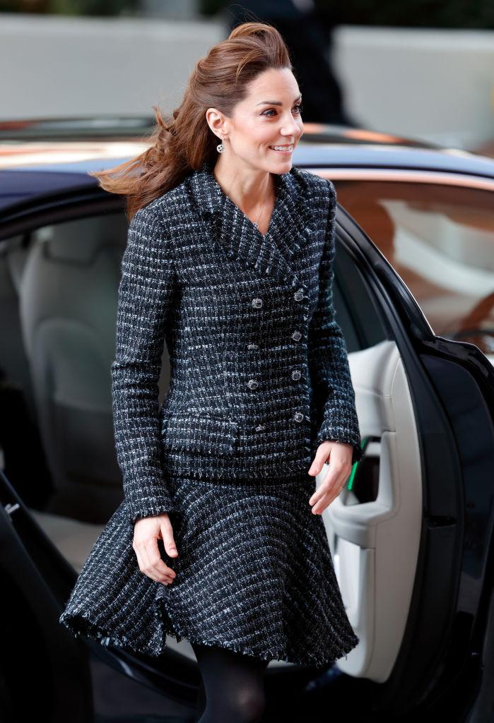Любимая деталь гардероба Кейт Миддлтон — яркий тренд весны 2021-Фото 2