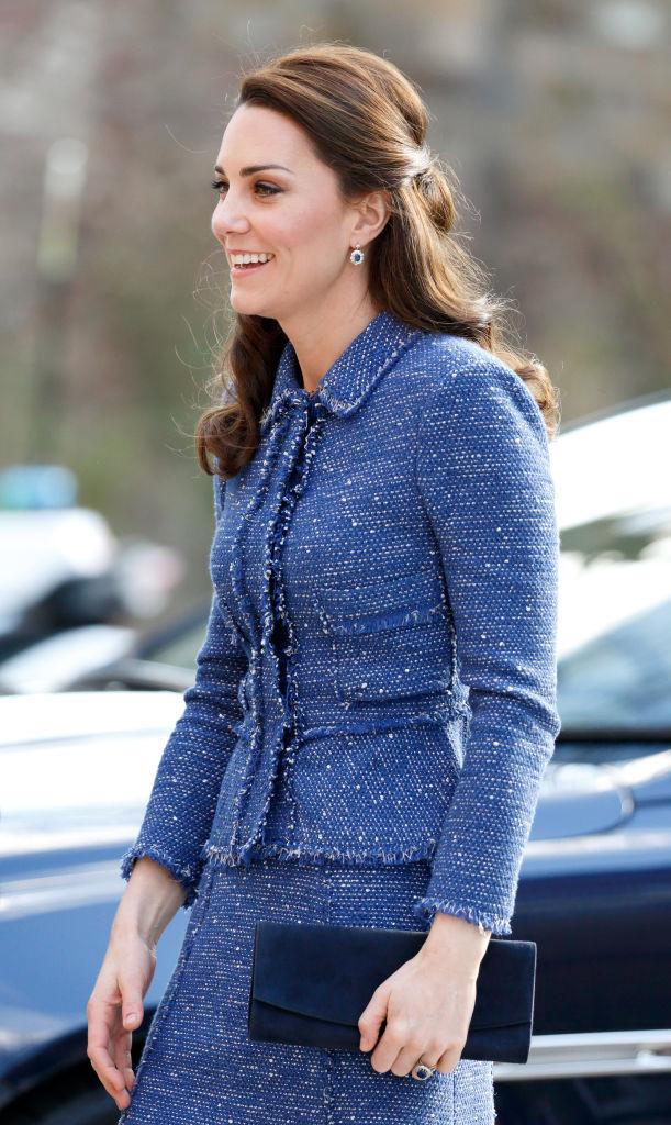 Любимая деталь гардероба Кейт Миддлтон — яркий тренд весны 2021-Фото 1